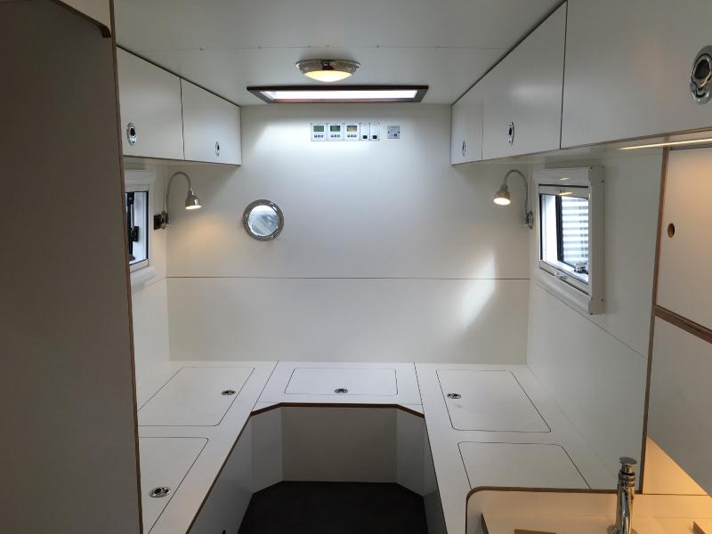 paul. Black Bedroom Furniture Sets. Home Design Ideas